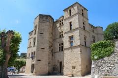 chateau-arnoux-le-chateau-facade-et-pignon