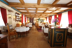 la-bonne-etape-salle-du-restaurant