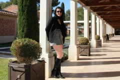 hotel-du-castellet-amelie-galerie-adossee-bottes-collants-chair