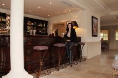 hotel-du-castellet-amelie-au-bar