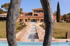hotel-du-castellet-sculpture-bassins