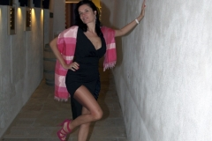 couvent-des-minimes-amelie-robe-noire-fendue-galerie