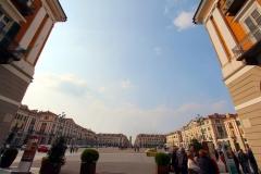 cuneo-piazza-galimberti-depuis-la-via-roma