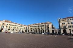 cuneo-piazza-galimberti-e-hotel-principe