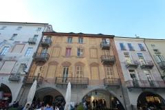 cuneo-via-roma-facades-peintes-trompe-l-oeil