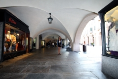 cuneo-via-roma-sous-les-arcades-amelie