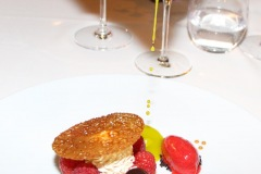 hiely-lucullus-gerald-azoulay-framboises-sur-alfajor-huile-olive