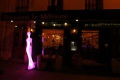 nice-le-millesime-statue-versicolore-en-mauve
