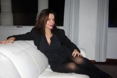 amelie-assise-chez-elle