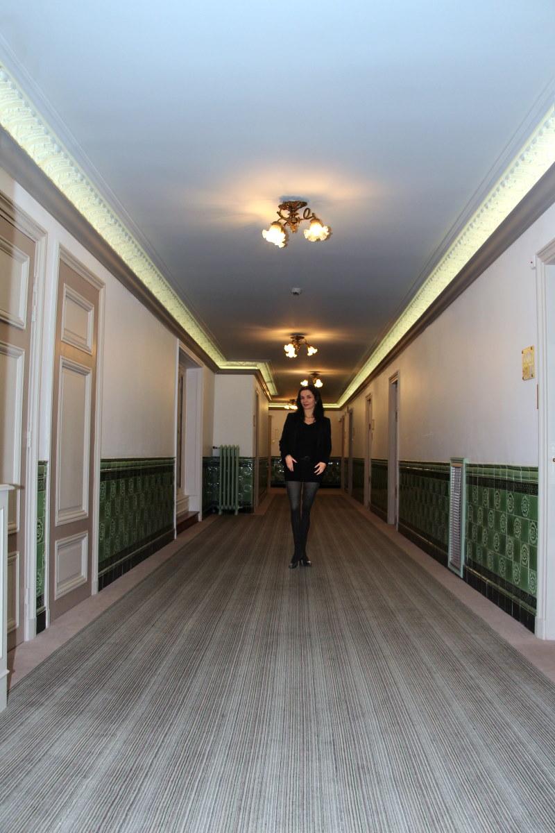 paris-regina-couloir-amelie