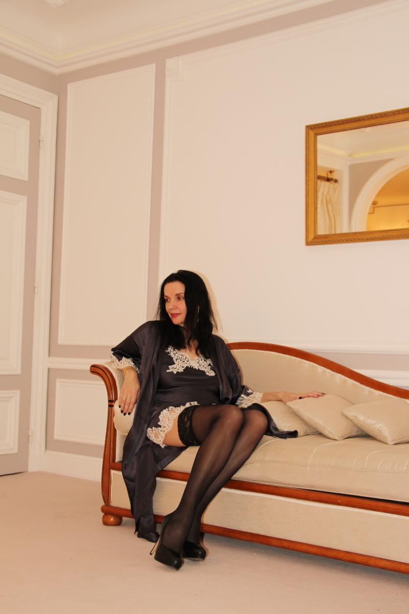 paris-regina-suite-amelie-deshabille