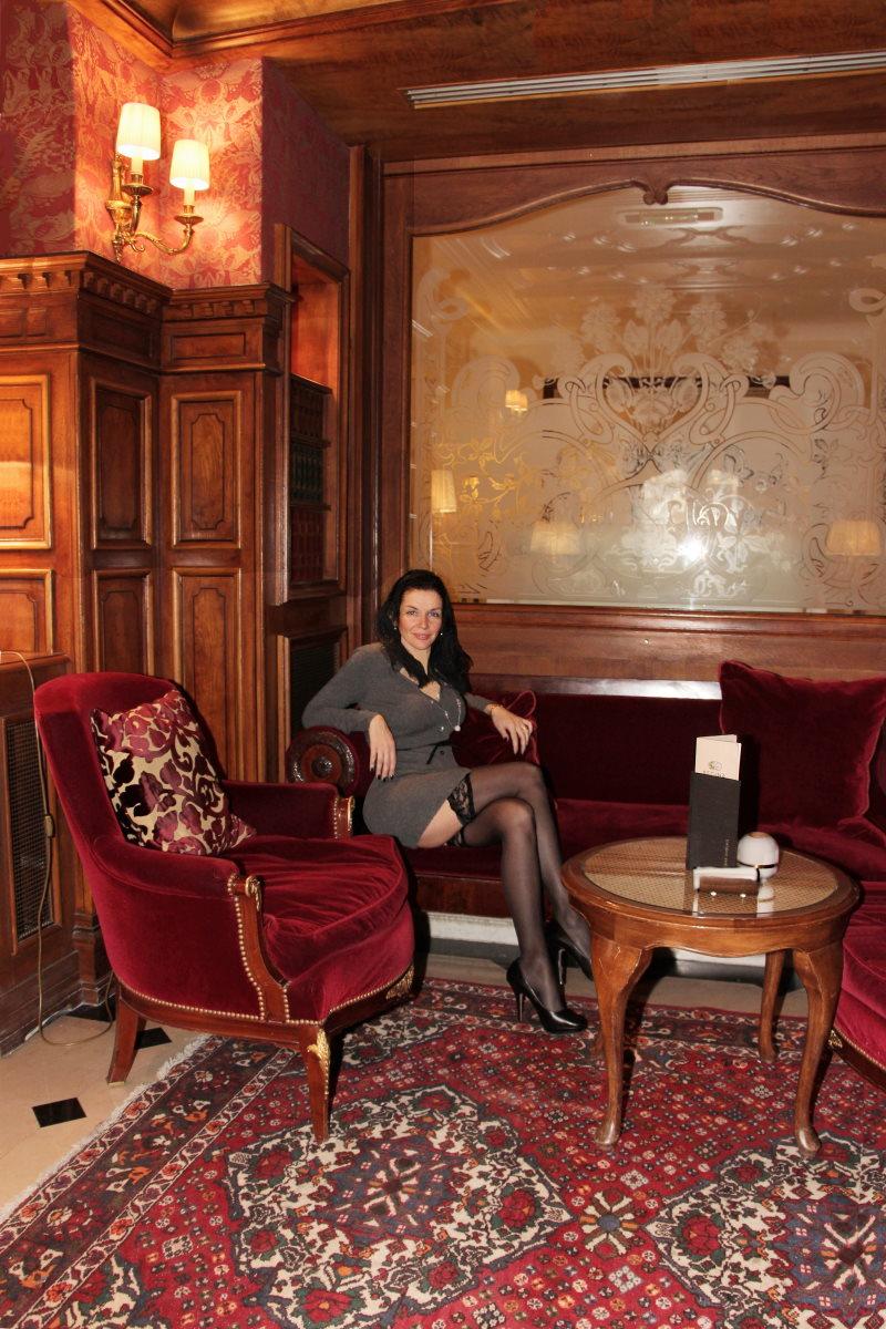 paris-regina-bar-anglais-amelie-bas-noirs