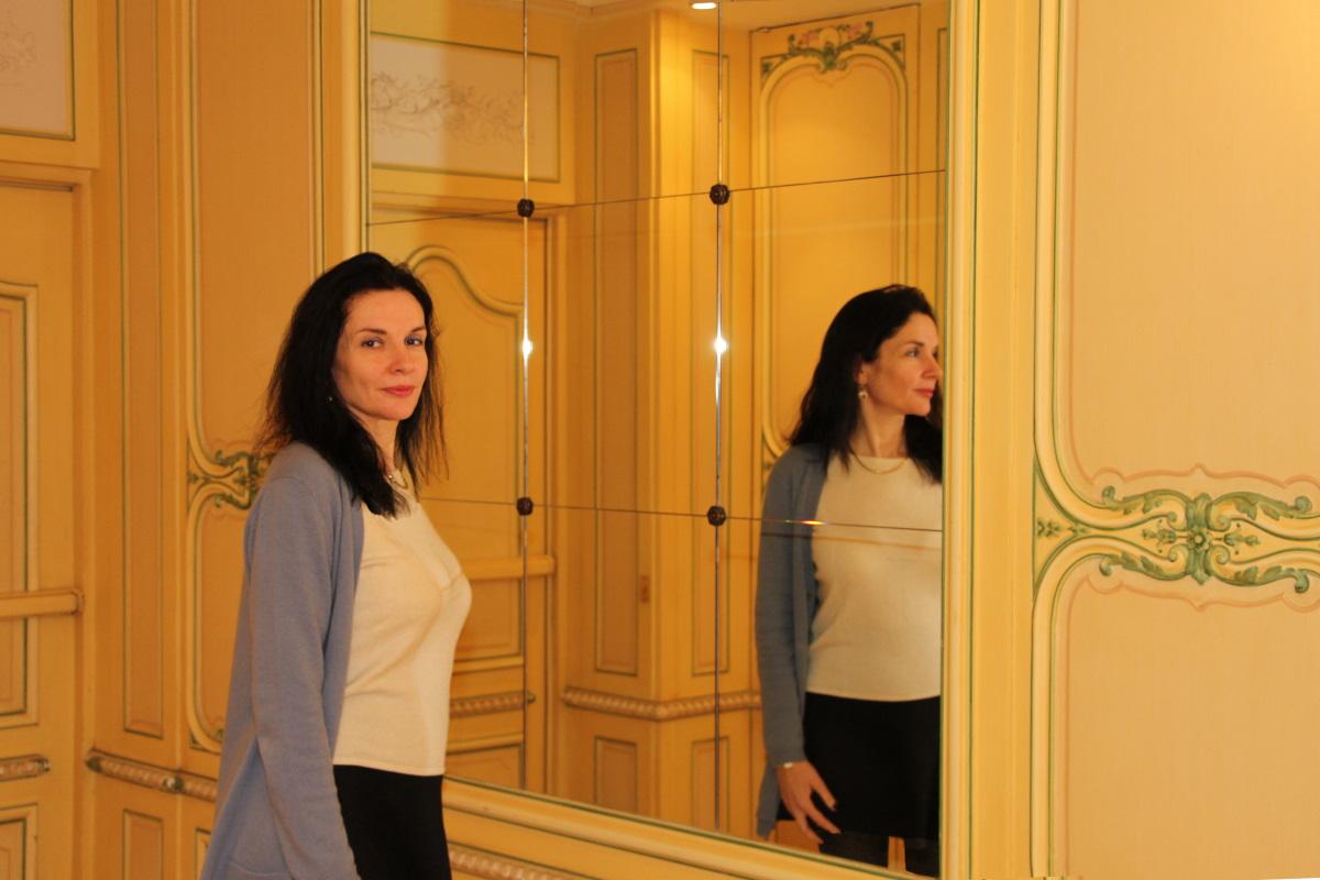 paris-regina-toilettes-miroir-amelie