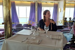 corsica-sardinia-ferries-mega-express-un-amelie-au-retaurant