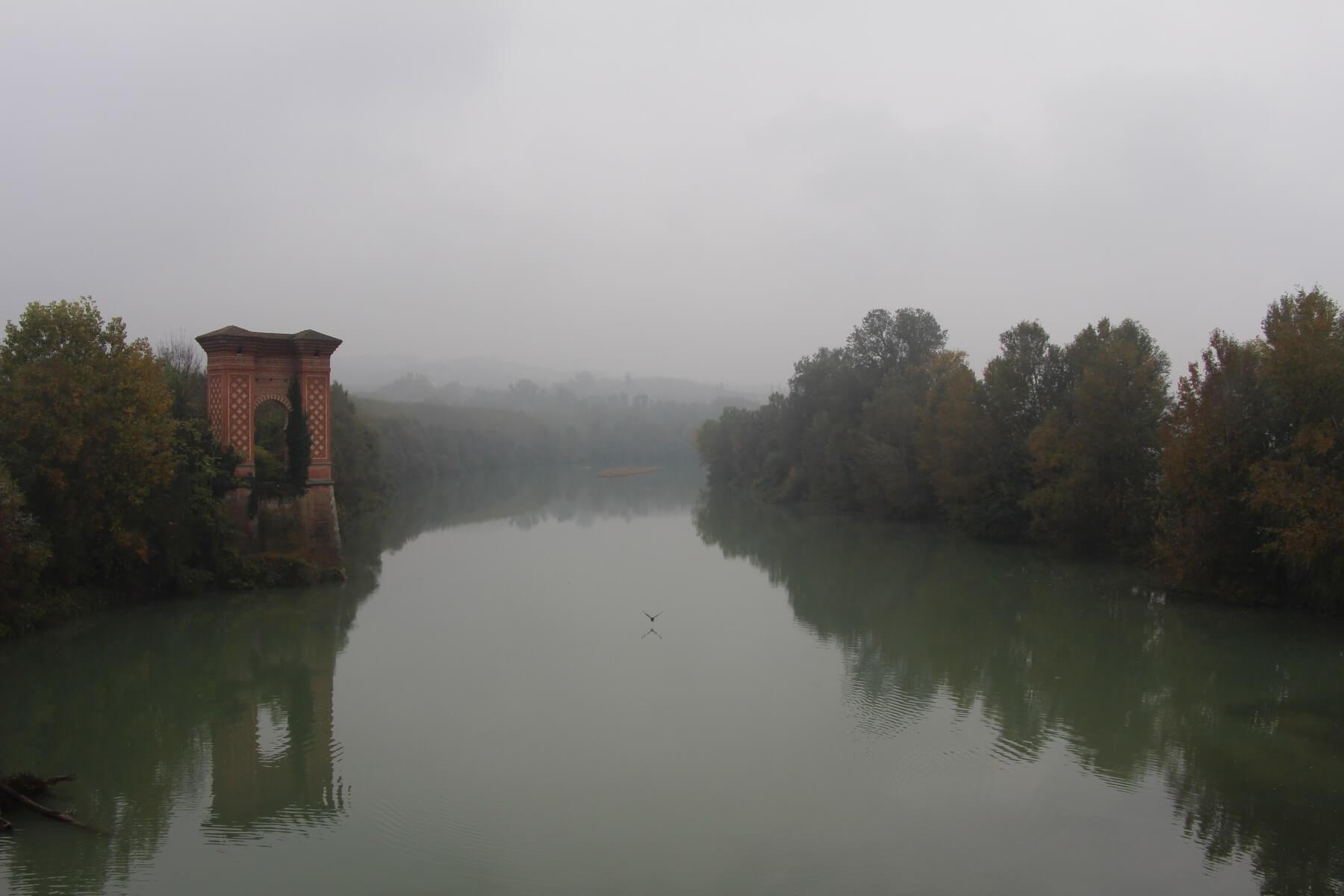 Italie, Piémont, Langhe, Tanaro