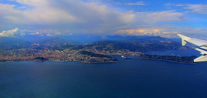 Vue aerienne du port et cap de Nice rade-de-Villefrance-St-Jean-Cap-Ferrat.-Les-Alpes