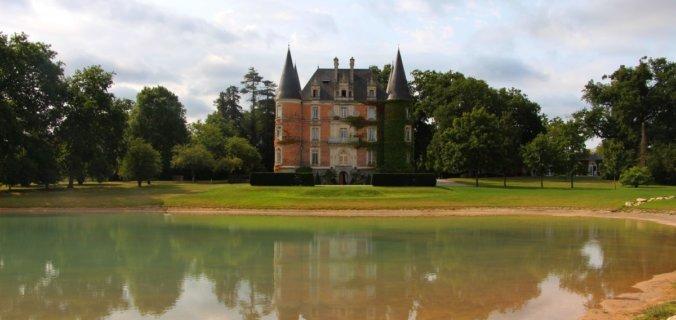 Bretagne, Rennes, Le Rheu, Château d'Apigné, son étang et son parc
