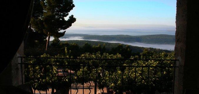 Provence, Haut Var, Bastide de Tourtour, mer de nuages