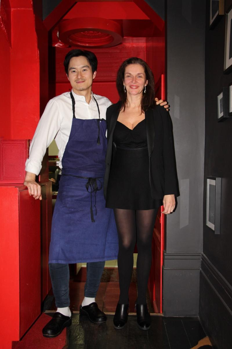 Paris, Saint-Germain des Près, Boutary, restaurant bar à caviar, Ryo Kirikura, Amélie, décolleté, robe courte.