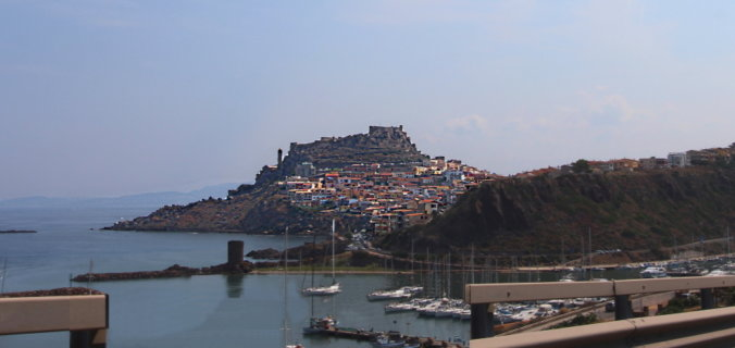 Italie, Sardaigne, Castelsardo, citadelle.,port.