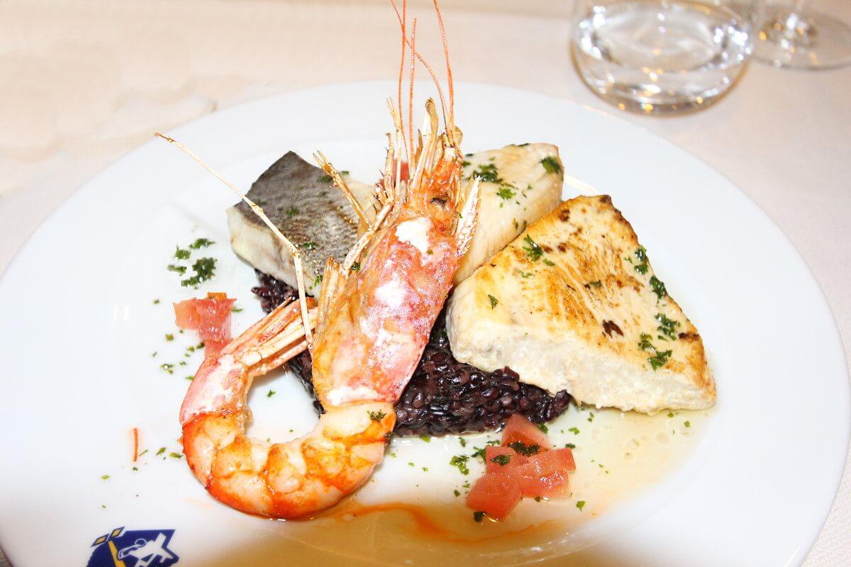 Corsica-Sardinia Ferries, Mega Express One, restaurant Dolce Vita, gril de la mer.