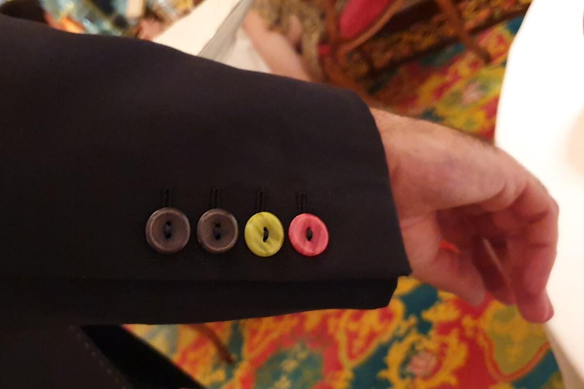 France, Côte d'Azur, French Riviera, Nice, Hôtel Negresco, le Chantecler, deux étoiles, boutons de manchettes des serveurs.