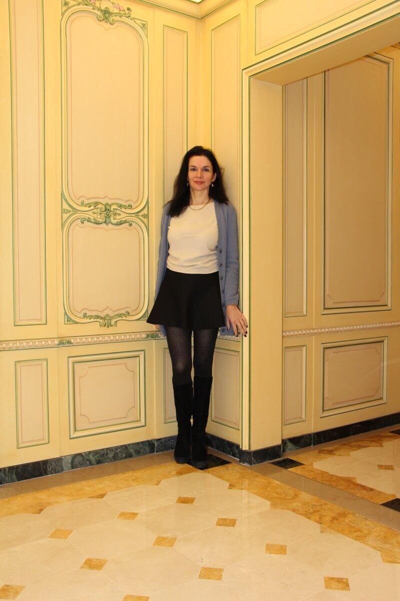 France, Paris, palace hôtel Le Régina, Art Nouveau. Amélie, jupe cou